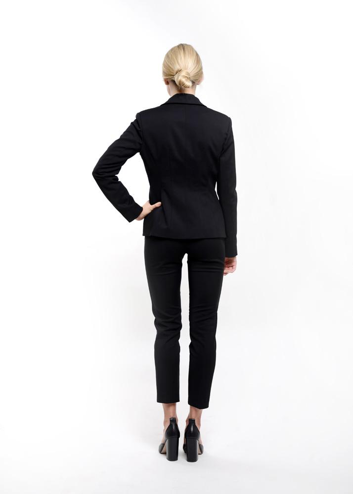 odziez-hotelowa-restauracja-spa-manager-zarzadzanie-recepcja-zakiet-elegancki-czarny-tyl-spodnie-kostrum-garsonka