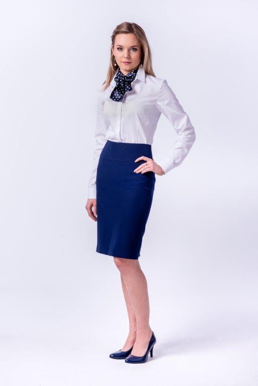 odziez-hotelowa-praca-recepcja-elegancka-klasyczna-koszula-damska-gabinet-lekarski-klinika-szycie-krawiec-biala-kokarda-grochy