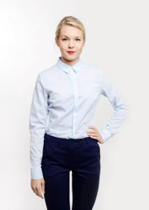 odziez-hotelowa-recepcja-elegancka-bluzka-koszulowa-koszula-blekitna-zapieciem-krytym-7